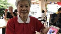 A woman of 84 years old goes viral by completing Pokémon GO in Singapore